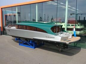 Venezian Taxiboat bij Oranjemarine